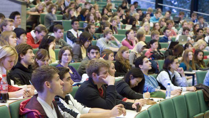 Studenten in de Raad van Toezicht?